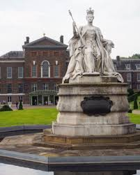 kennington palace 6 reasons to visit kensington palace look up london revealing