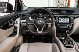 nissan sport 2018 2017 nissan rogue sport reviews and rating motor trend
