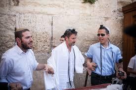 bar mitzvah israel david arquette s bar mitzvah natalie portman s generous