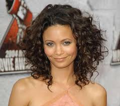 how to cut long hair to get volume at the crown have curly hair put lots of layers in your mid length cut to keep