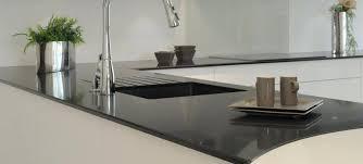 plan travail cuisine quartz plan de travail quartz noir plan de travail en quartz pour cuisine