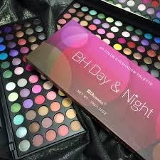 need a makeup artist massachusetts wedding makeup artist how many eye shadow colors