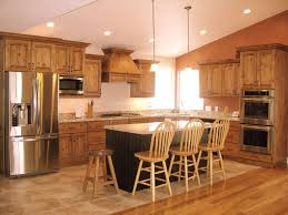 Pendant Lights For Kitchens by Best 25 Knotty Alder Kitchen Ideas On Pinterest Rustic Cabinets