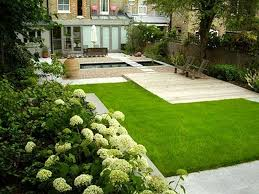 inspiring and luxury small garden designs with lawn and