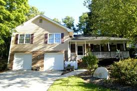 split level house with front porch classic split level home for sale in tucker 1696