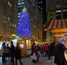 where to find the best christmas displays in chicago
