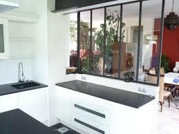 cuisines de charme une verrière dans une cuisine de charme en bois réalisée par le