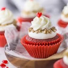 red velvet cupcakes with cream cheese swiss meringue buttercream