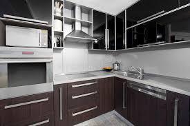 cuisine couleur wengé cuisine moderne dans des couleurs de noir et de wenge image stock