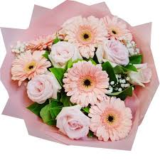 gerbera bouquet rbt206 pink roses and gerbera bouquet free flower delivery