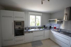 cuisine avec fenetre fabrication et pose de cuisine en bretagne finistère