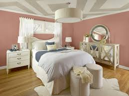 color ideas for living room walls following the latest color