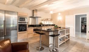 cuisine bleu clair cuisine bois et noir finest cuisine bois et noir with cuisine bois