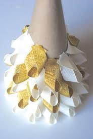 Holiday Crafts On Pinterest - best 25 ribbon crafts ideas on pinterest diy bow ribbon bows