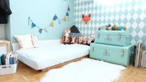sol chambre bébé chambre avec matelas au sol montessori nouveau né literie
