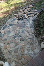 Slate Rock Patio by Best 25 River Rock Path Ideas On Pinterest Rock Path Pebble
