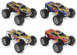 videos de monster truck 4x4 amazon com traxxas t maxx 4wd monster truck 1 10 scale toys u0026 games