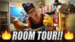 Guys Dorm Room Posters How To Decorate Your Room Lika Boss Paul U0027s Dorm Room Tour Youtube