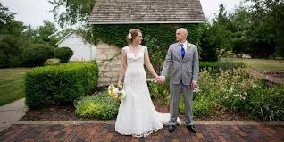 thompson barn weddings get prices for wedding venues in lenexa ks