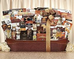 country wine gift baskets last minute gifts for the big eater in your tailgate fan