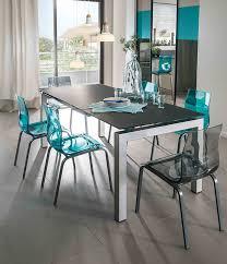 chaises pour cuisine cinq chaises colorées pour une cuisine haute en couleurs mobalpa