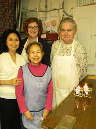 thanksgiving food bank volunteer queen anne view
