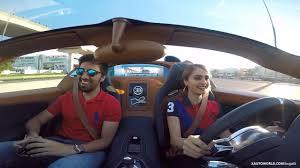 kereta mewah inilah dia youtuber wanita yang makin popular kerana cantik dan