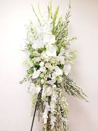 sympathy flowers delivery 32 best funeral flowers images on funeral flowers