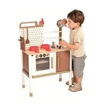 janod cuisine en bois une préparation précoce au métier de grand chef avec cette cuisine