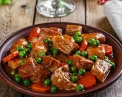 cuisiner boeuf recette de mijoté de boeuf léger aux petits pois et aux carottes
