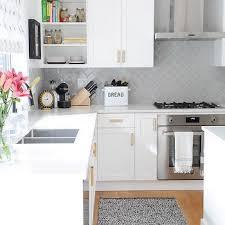 Subway Kitchen Backsplash Stunning Stylish Herringbone Subway Tile Backsplash 25 Best Stove