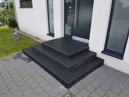 steinteppich verlegen treppe steinteppich schwarz treppe steinteppich schwarze