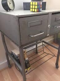 servante de bureau meuble industriel vintage ex servante d atelier chevet console