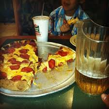 round table pizza burbank round table pizza in canyon country ca 16612 soledad canyon