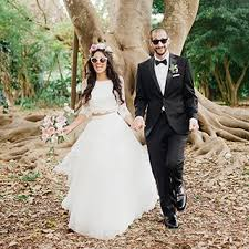 Outdoor Wedding Dresses The Dos And Donâ U20ac Ts Of Outdoor Fall Weddings Brides