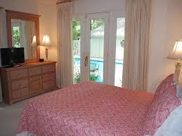 Red Oak Bedroom Furniture by 4 Red Oak Island Getaway Rentals Hilton Head