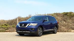 nissan pathfinder us news automotive minute 2017 nissan pathfinder balances rugged and