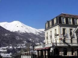 hotel de londres luz sauveur pyrenees summer accommodation