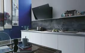 hotte de cuisine murale hotte cuisine une hotte murale qui joue le design grace a