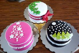 how to decorate a cake at home let them eat cakes and decorate them too with cake boss cake