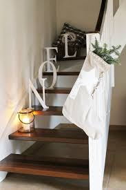 Stairs Decorations by 47 Best Escaliers De Noel Images On Pinterest Stairs Christmas