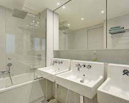deco salle de bain avec baignoire salle de bain avec une baignoire d angle photos et idées déco de