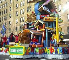 macys thanksgiving day parade sesame float thanksgiving
