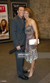 edward walker trading spaces paige davis of trading spaces exits ambassador theater with her picture id115359629