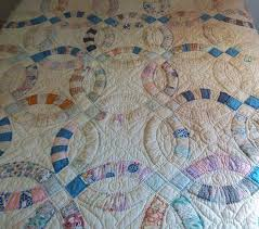 Double Wedding Ring Quilt by Vintage Feedsack Fabric Double Wedding Ring Quilt Bear Tales