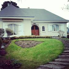 white color of exterior wall paint color in buying a house in