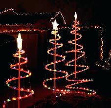 christmas lights to hang on outside tree front yard christmas tree front yard decorating diy front yard
