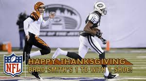 thanksgiving nfl football schedule brad smith runs out of his shoes on kick return td 2010 nfl