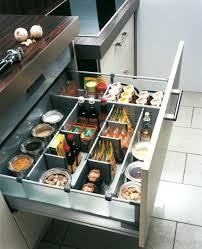 rangement cuisine pratique placard rangement cuisine excellent rangement les placards
