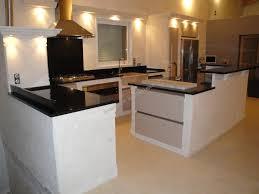 construire une cuisine cuisine en blanche d estaillades cheminée en à